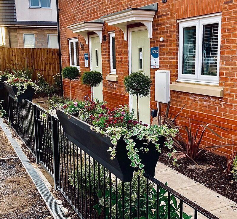 Plantscape Housebuilder railing planters